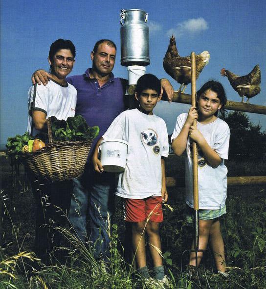 FAMILIA DE LA GRANJA LA SELVATANA
